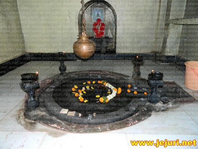 vateshwar linga saswad