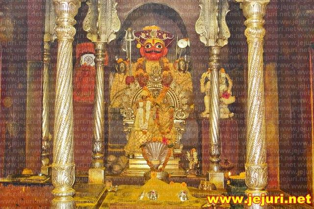 kadepathar khandoba - jejuri