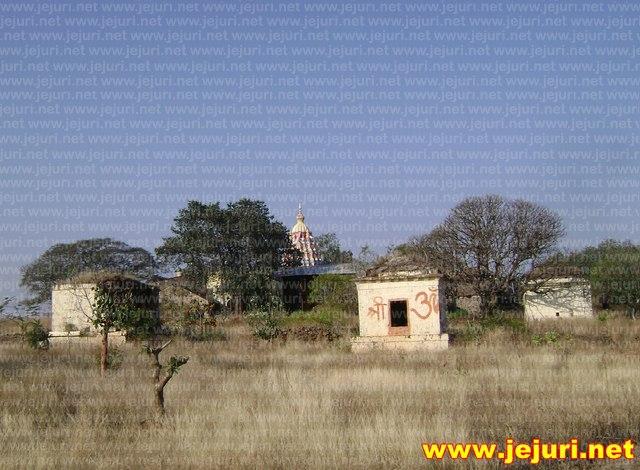 kadepathar small temples