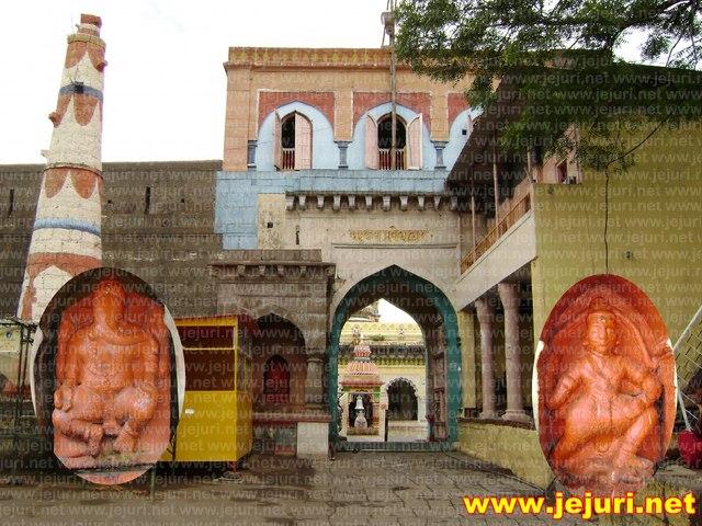 nimgoan khandoba temple gate